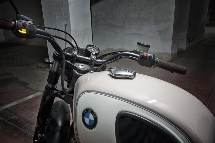 Bmw R65 Boxer Sand   by Motorecyclos