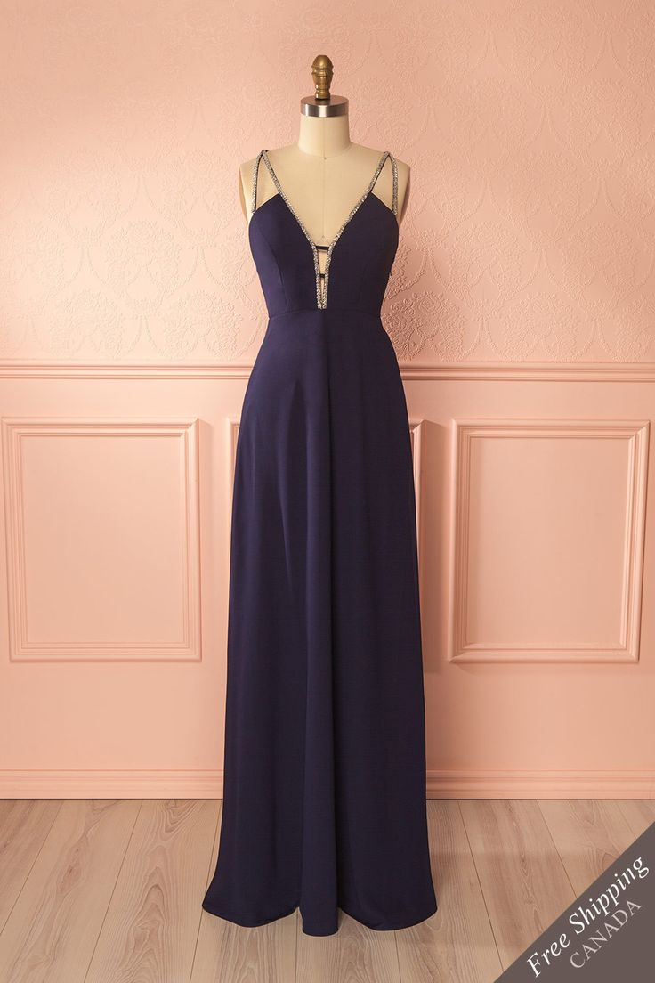 Navy fitted gown with silver beading - Robe longue marine avec perles argentées