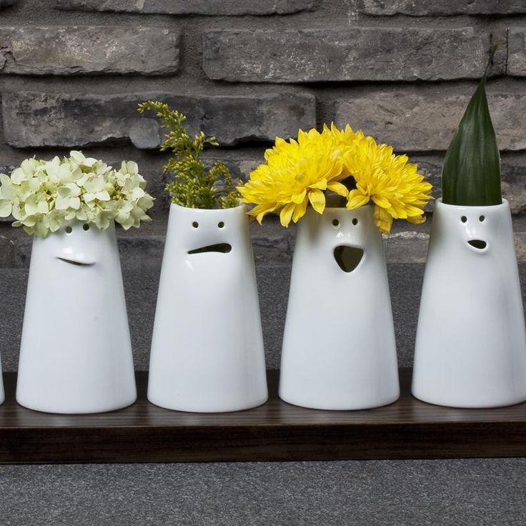 Contemporary Chinese porcelain and stoneware. Uniq…