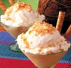 Helado de Coco Casero es una de las recetas de helados caseros mas deliciosas que puedas imaginar. Anímate a sorprender con esta receta de helado fresca!