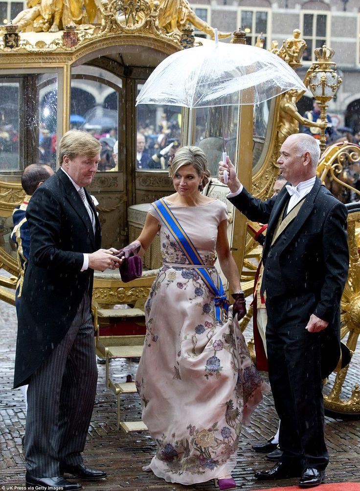 SS.MM los Reyes Willem-Alexander y Máxima de los Países Bajos presiden el Prinsjesdag 2015 | Página 16 | Cotilleando - El mejor foro de cotilleos sobre la realeza y los famosos. Felipe y Letizia.