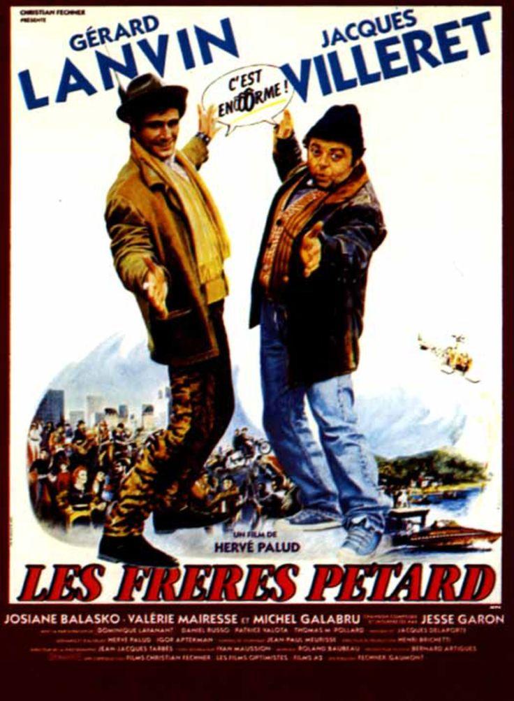 """Les Frères Pétard est un film français d'Hervé Palud sorti en 1986. Paris, 1991.  Renvoyé de son énième emploi, Momo (Jacques Villeret) est violemment interpellé durant son bain, par son père (Michel Galabru) qui l'enjoint à quitter instamment le domicile familial. Aussitôt, il rejoint son ami Manu (Gérard Lanvin) qui est employé dans une cafétéria, vivant également sans le sou. Ils décident de se rendre dans une discothèque """"underground"""" où Momo compte trouver Sammy (Thomas M. Pollard),"""