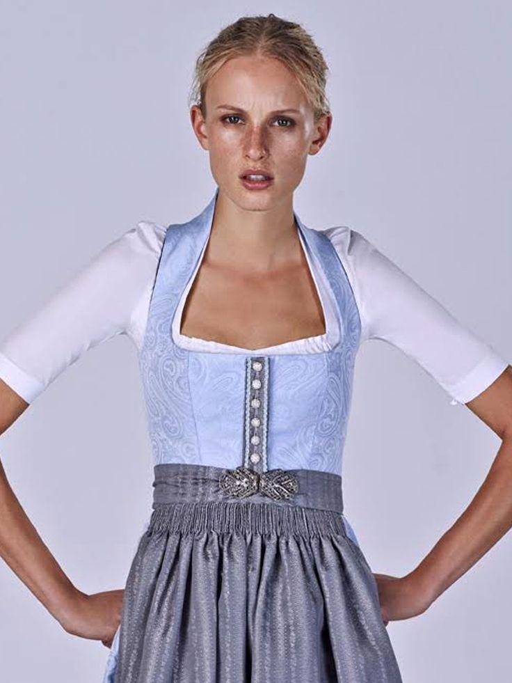 Schlichte Dirndlbluse von Gottseidank Modell Katharina L