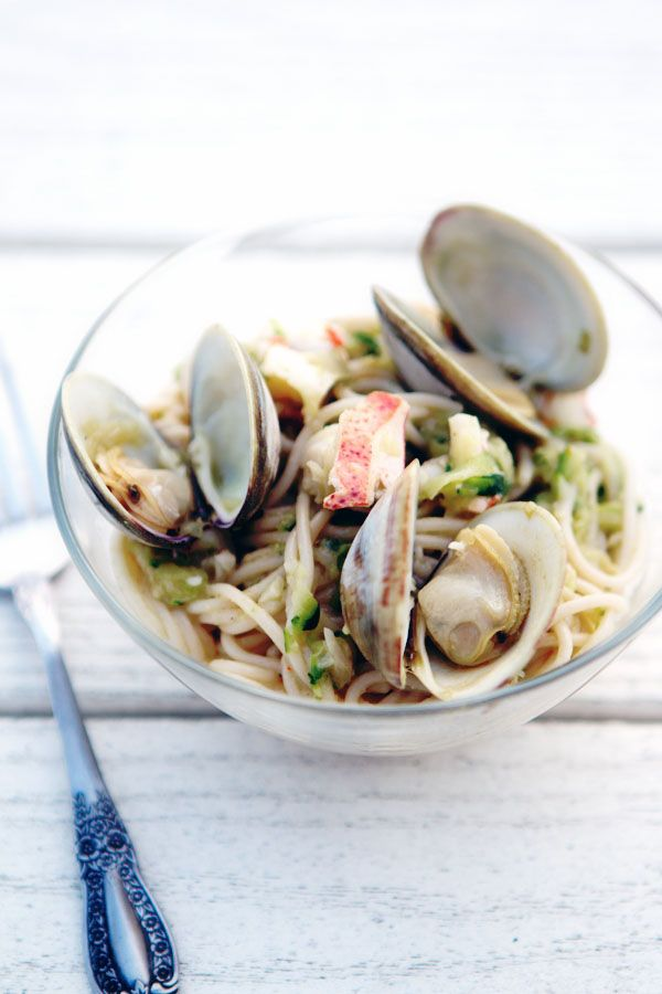 Late summer days on Cape Cod | La Tartine Gourmande. Pasta with lobster, clams and zucchini.