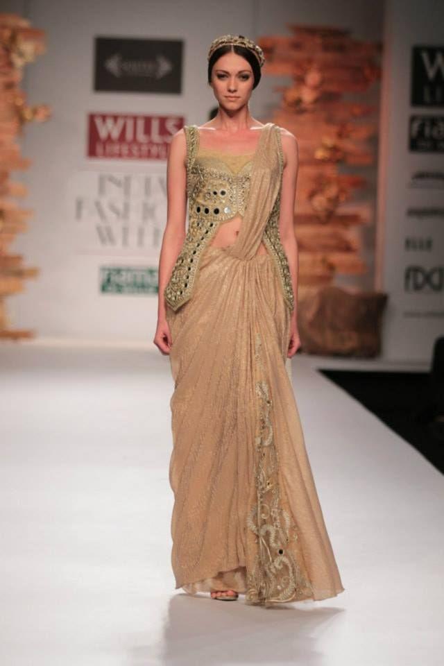 Soltee by Sulakshana Monga Wills Lifestyle India Fashion Week 2014 gold beige sari