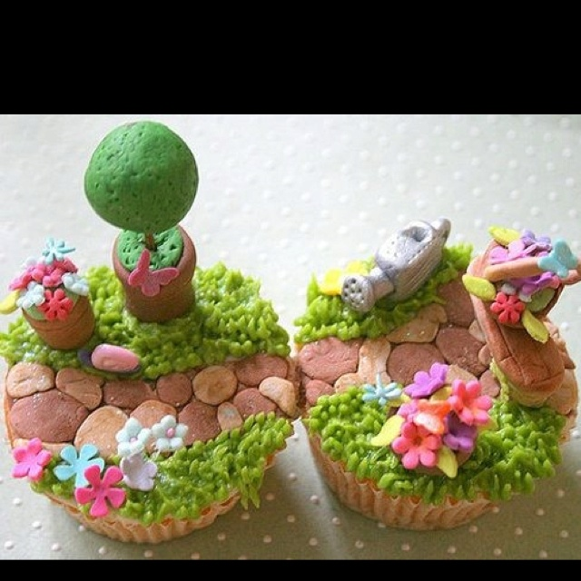 The little garden cupcake