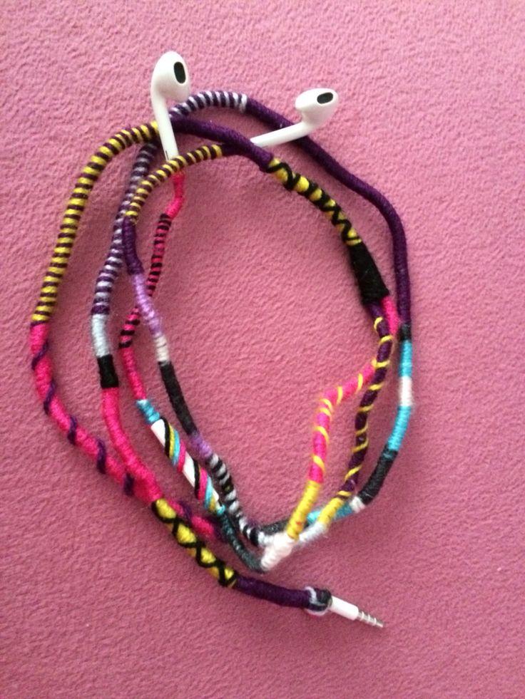 Handmade knit earphone