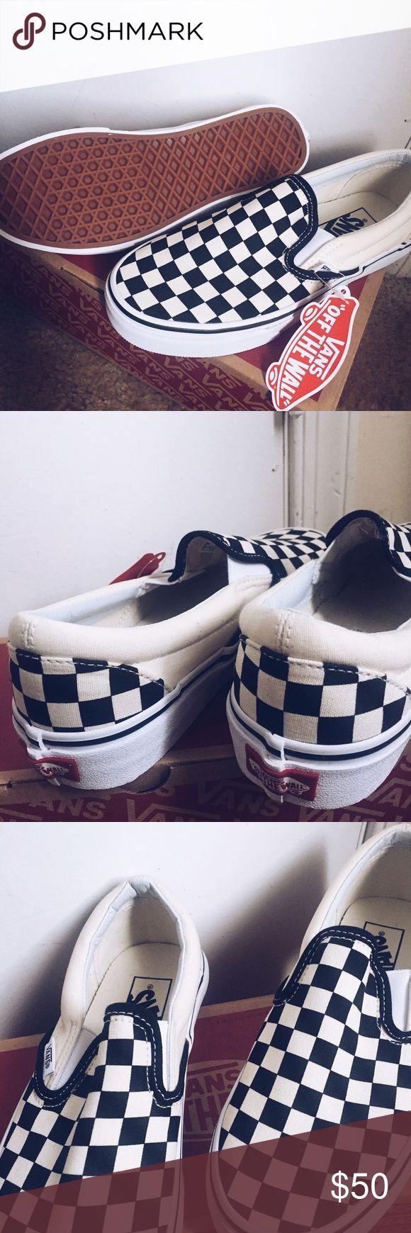 Mens checkered vans New! never work size 5.5 for men Vans Shoes Sneakers