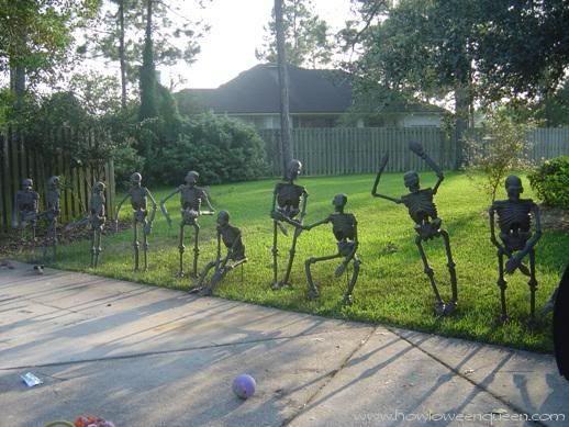 Skeletons, Skeletons, Skeletons... so many ideas!  #Halloween #DIY #Skeleton