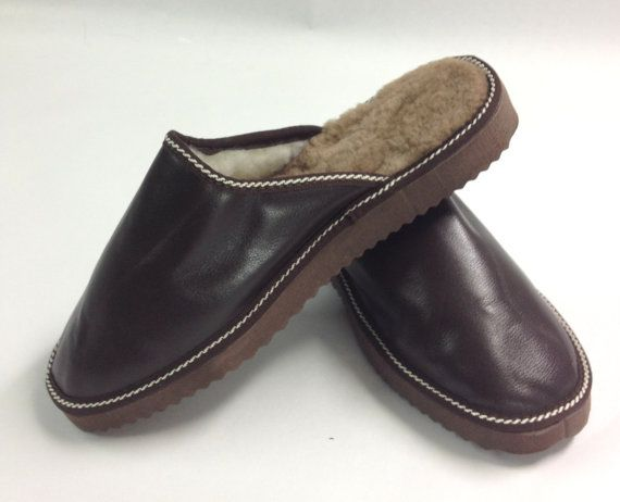 Genuine shearling slippers for men. by BeFur on Etsy, €20.00