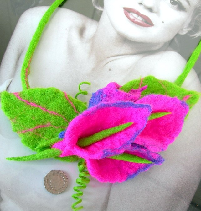 SALE.......  Hand Felted, Wool Jewelry felted NECKLACE  and  BROOCH FELTED -100 £8.99