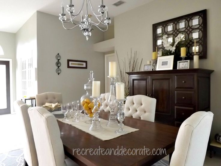 1000 images about gala decor on pinterest nail head for Glam dining room ideas
