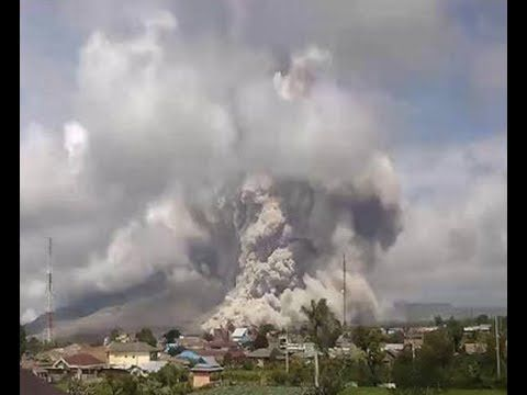"BREAKING ""Massive Eruption Indonesia Mount Sinabung Volcano After 6.7 Quake"
