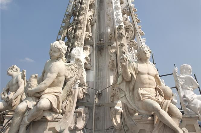 The #restoration works on the ring of statues at the bottom of the Main Spire of the #milancathedral