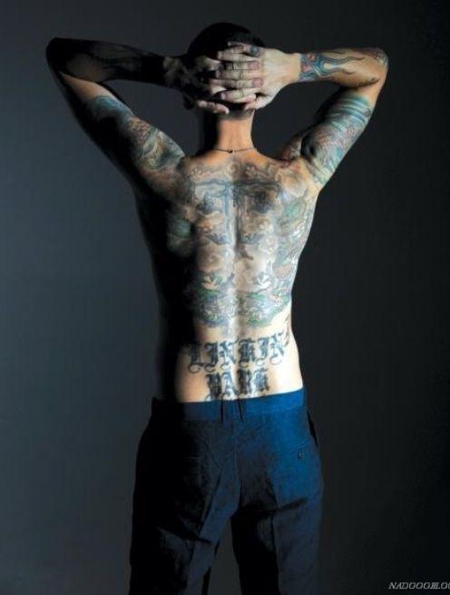 10 best images about chester bennington on pinterest flame tattoos back tattoos and linkin park. Black Bedroom Furniture Sets. Home Design Ideas