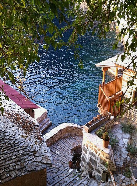 Aghion Oros (Mount Athos) // by grassagoogoo on Flickr