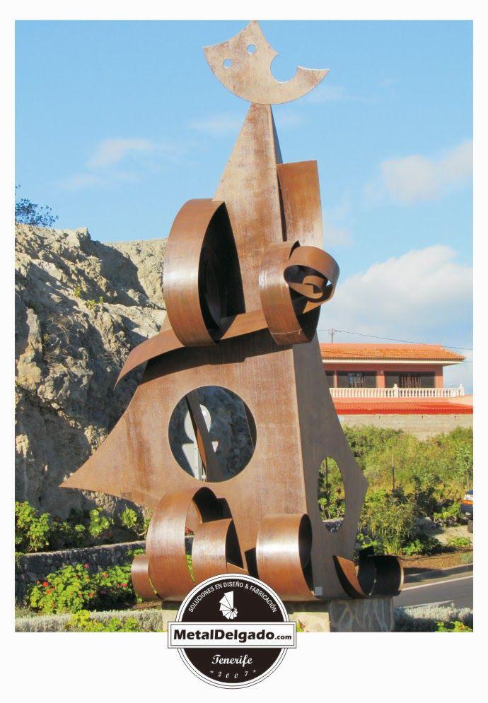 escultura en acero corten elaborada por metal delgado en chapa de mm situada en