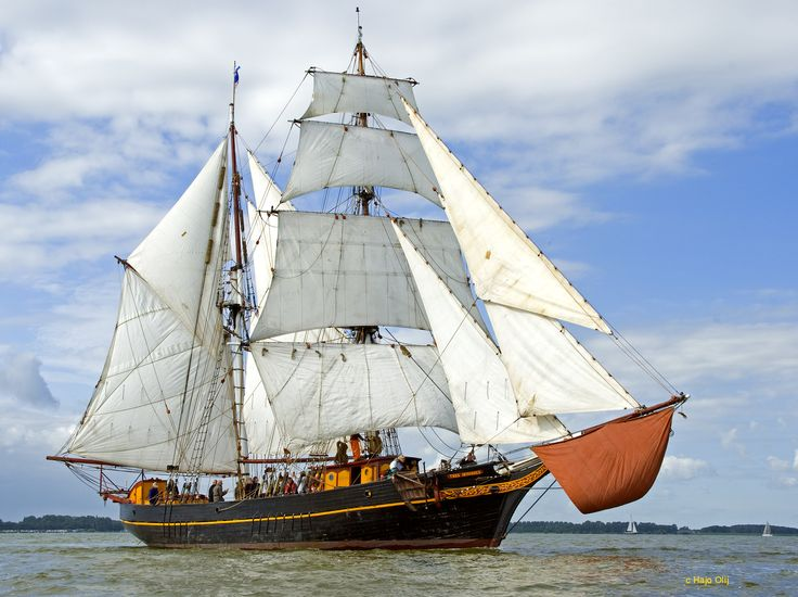 Fairtransport – shipping cargo emission free over sea. Tres Hombres, by Hajo Olij