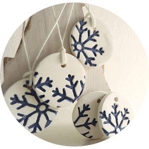 Coeur Blonde facebook / porcelain snowflakes etsy
