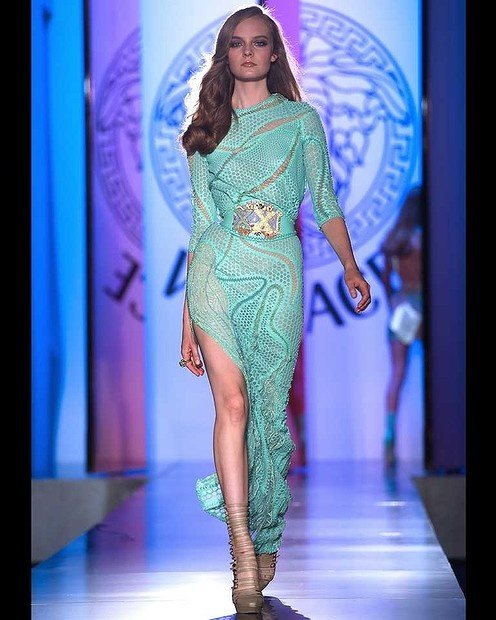 Swirls and a thigh-high split add trademark over-the-top flourishes to this Versace gown.: Versace Dresses, F W 2013, Weeks Haute, Paris Fashion Weeks, High Fashion, Couture F W, Versace Haute, Couture Fashion, Haute Couture