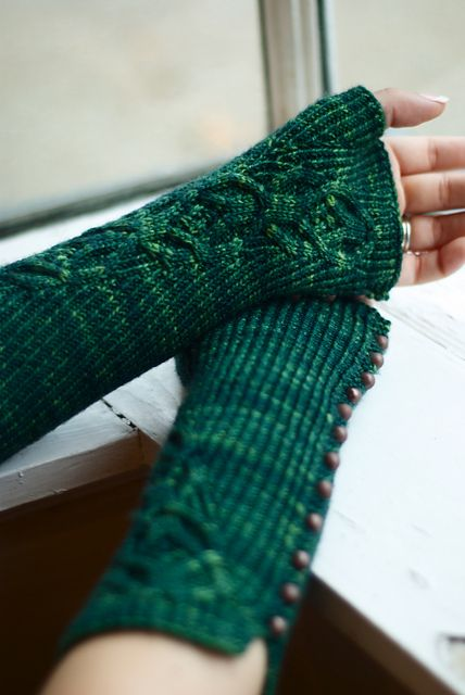 Ravelry: Fingerfree Mitts pattern by Sarah Wilson