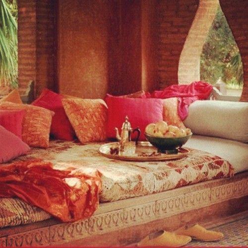 Arabian home decor arabian home decor1 housefashions for Arabian decorations for home