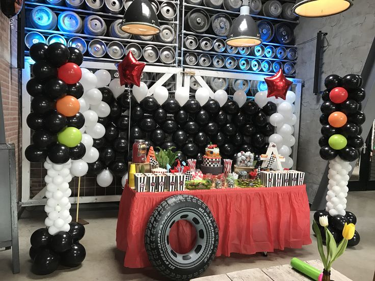 Cars Sweettable#Cars Birthday Party#Lightning McQueen