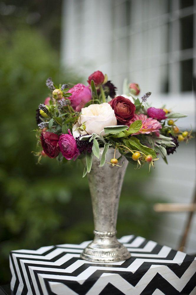 #silver, #chevron, #centerpiece, #riser, #vase, #black-and-white  Photography: Justin Marantz - justinmarantz.com/  Read More: http://www.stylemepretty.com/living/2012/09/18/smp-at-home-diy-chevron-risers/