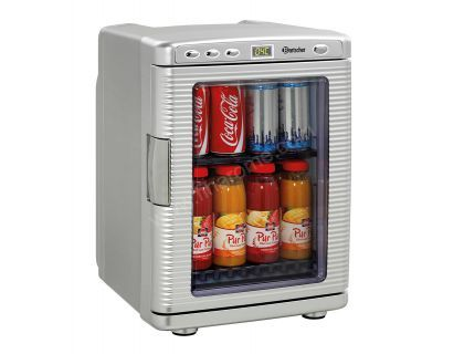Mini réfrigérateur à boissons vitré professionnel BARTSCHER 19 L  Réfrigérateur professionnel Réfrigérateur compact pour une mise en oeuvre mobile - également dans des véhicules Corps en plastique Refroidissement thermoélectrique Réfrigération : 15°C à 18°C en dessous de la température ambiante Eclairage 230 V AC / 12 V DC  Cet appareil ne se prête pas à un uage professionnel prolongé