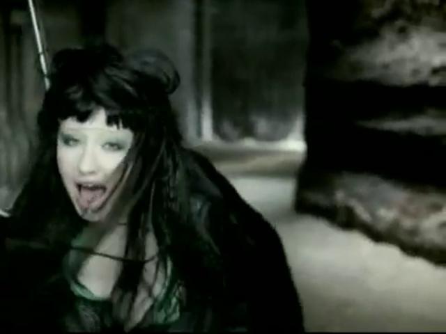 Fighter. (Christina Aguilera, 2003, http://en.wikipedia.org/wiki/Fighter_(Christina_Aguilera_song))