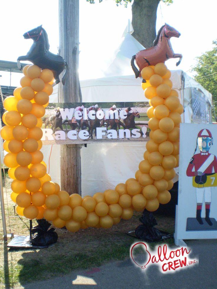 Horseshoe #balloonart #balloons #airfilled #qualatex #balloonartist #CBA  #decor #partydecor #balloondecor #horseshoe