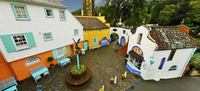 Painted Houses: Portmeirion, Wales