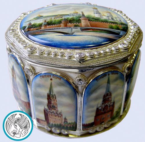 "The box from silver ""Moscow Kremlin"" the real work of art which can pass from father to son, amazing with the magnificence and beauty. The size: the height of 7,5 sm, diameter 10 see the Material: silver, a jeweller frame, an art list on enamel of manual work, tula."