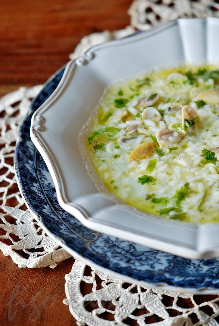 portuguese canja de conquilhas (clams soup)