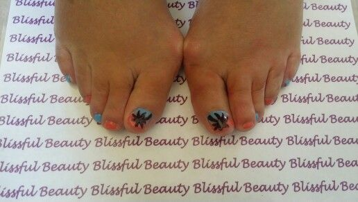 Ombre style shellac toes with palm tree nail art