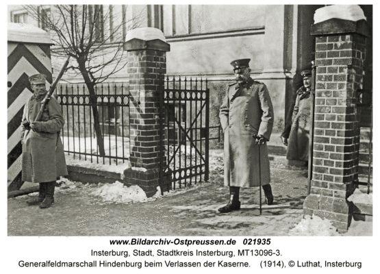 Insterburg, Generalfeldmarschall Hindenburg beim Verlassen der Kaserne 1914
