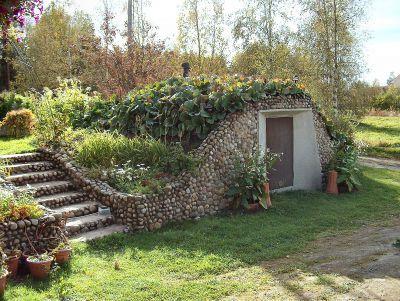 Most houses in Sweden still have - Jordkällare / root cellars