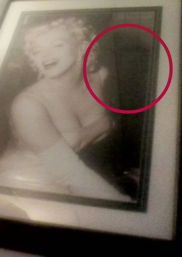 Mmm, can't really see much - From Paranormal360: Real Ghost Pictures: The Ghost and Marilyn Monroe