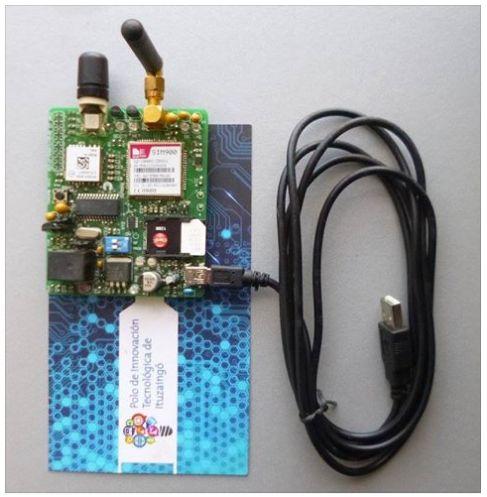 PLAQUETA MCE TrackMe (GPS) Sistema de telemetría (rastreo de posición con GPS) y control remoto a través de la red celular. Posee un módulo GPS MN5515HS y un módulo GSM SIM900. Puede transmitir por GSM o GPRS, además cuenta con sensores de aceleración, luz y temperatura. La batería se carga por USB y tiene la posibilidad de almacenar las coordenadas en la memoria interna del microcontrolador PIC18F26J50. Incluye proyectos programados en CCS. Además, ejemplos para decodificar las tramas del…