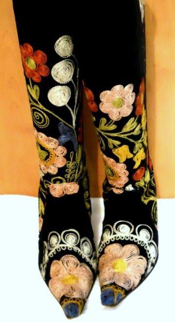 6123b8ef1fd7ef Vintage Velvet Embroidered Boots