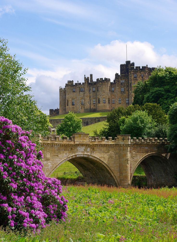 Alnwick Castle, Northumberland, England | by Keefy243