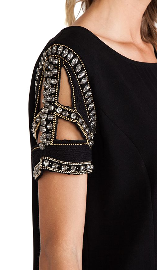 great sleeve detail, would be awesome for otherwise plain sari blouse or lengha top