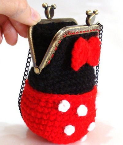 Fuente: https://www.etsy.com/listing/168485998/pattern-girls-bag-purse-minnie-mouse?ref=shop_home_active
