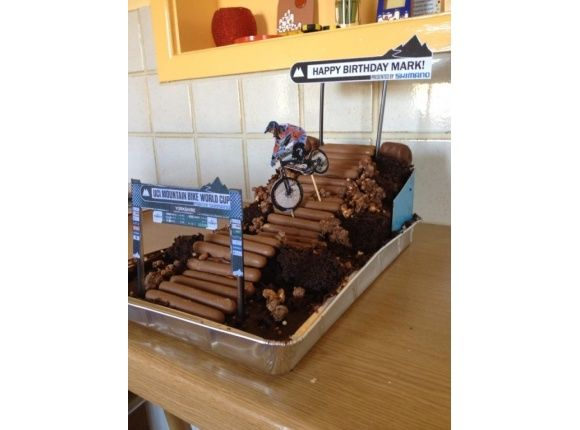 Mountain bike cake