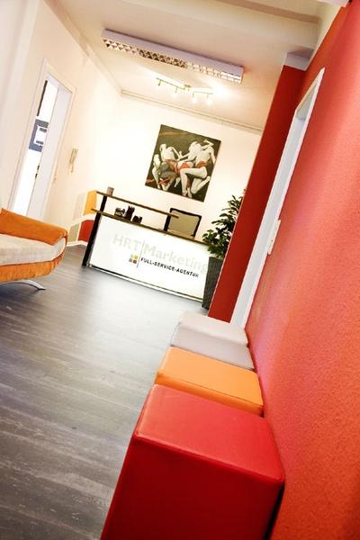 Wir sind eine Full-Service-Werbeagentur und die führende Internetagentur für TYPO3 im Zentrum von Füssen, einer Stadt in Bayern, im wunderschönen Allgäu. Das Team besteht aus acht, meist freiberuflichen Mitarbeitern. Wir arbeiten gerne für innovative Kunden, die etwas bewegen wollen. 15 Jahre Erfahrung in Werbung, Marketing und eBusiness machen uns zu Ihrem kompetenten Partner.  www.hrt-marketing.de
