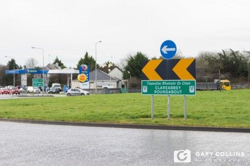 The Clare Herald, Clare Abbey Roundabout, Media, Freelance, Photographer, http://clareherald.com/2017/02/family-nearly-wiped-out-at-clareabbey-roundabout-71510/