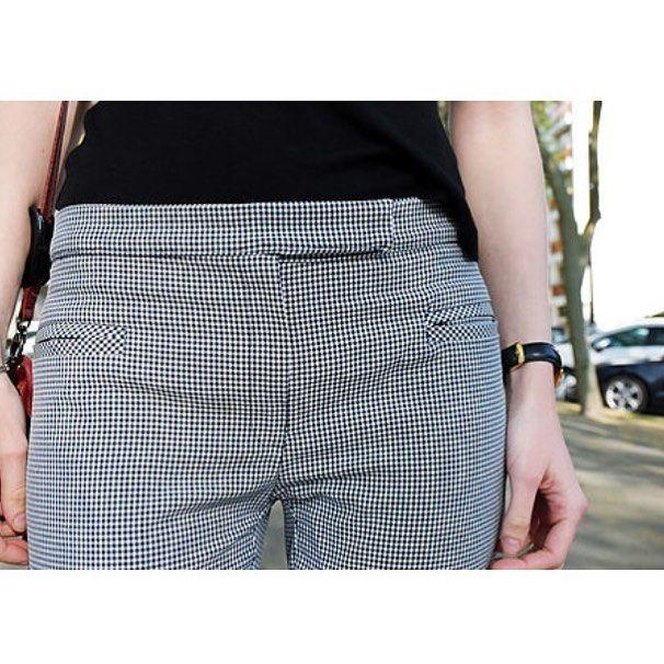 Hello les chats !!! Mon avis sur les patrons Couture Actuelle, et sur le pantalon True Royal est un en ligne !(lien en bio). Le tissu vient de chez @toto_1961_ . Vous avez des expériences ou anecdotes à me raconter concernant ces patrons ?? Bon week end et Joyeuses Pâques à tous !! 🐰🐣🐤🐥 #couture #coutureactuelle #sew #sewing #sewingaddict #blogger #blogueusesdetours #blogcouture #tours #tmv #toursmaville #tototissus #moodoftheday #spring