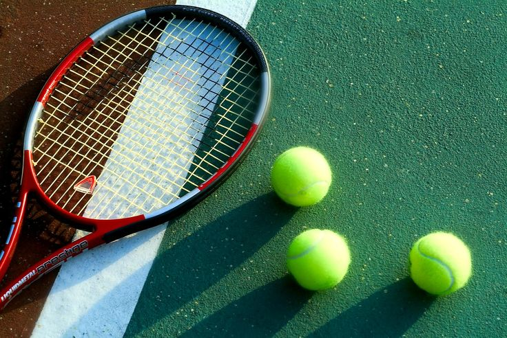 Every Wednesday from 18:00 until 19:00 children 5 years old and older enjoy a free tennis lesson with our tennis instructor. Teenagers can participate at the weekly tennis tournament organized among resort's guests.