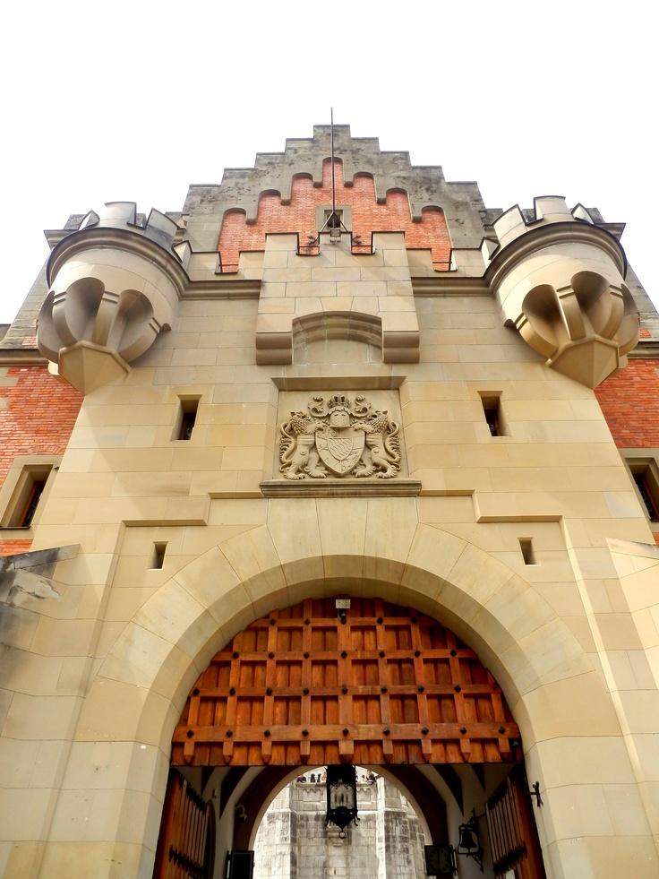 #Bawaria, Zamek Neuschwanstein - wejście, #Alpy Bawarskie, Wycieczka do Bawarii, Wycieczka do zamków Ludwika Bawarskiego, Wyjazd do Bawarii