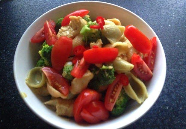 Frøken Andersens madglade side: Kylling og broccoli i karrysovs
